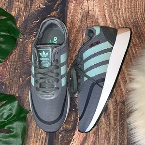 ADIDAS - NWT Sneakers